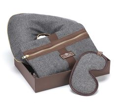 2013 luxury corporative gift with travel pillow,sleep eye mask,envelop wash bag travel set Travel Set, Travel Style, Travel Bags, Luxury Gifts For Men, Birthday Gift For Him, Gifts For Dad, Men Gifts, Travel Accessories, Clothing Accessories