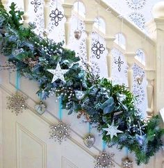 "I like the placement of the garland. A little too much ""stuff"" on it for me. But pretty!"