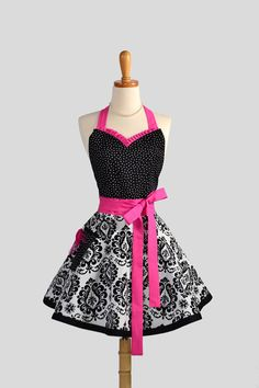 Sweetheart Retro Apron / Cute Womens Apron in by CreativeChics, $43.00