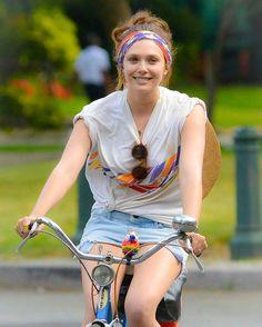 Elizabeth Chase Olsen, Elizabeth Olsen Scarlet Witch, Mary Kate Olsen, Beautiful Girl Image, Most Beautiful Women, Olsen Sister, Cycling Girls, Bicycle Girl, Beautiful Actresses