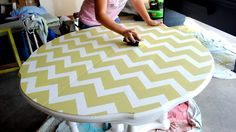 Easy and straight forward tutorial on painting a table with a chevron pattern. --> Spunky Junky: ScotchBlue Paint Party-Chevron Table!