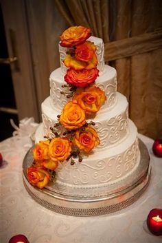 Come and post your Long Island Wedding concerns, solutions, dilemmas or just blow off some steam. Receive some advice or just hear what other Long Island brides and grooms have to say. Wedding Cake Prices, Fall Wedding Cakes, Fall Wedding Decorations, Beautiful Wedding Cakes, Gorgeous Cakes, Fresh Flower Cake, Fresh Flowers, Cake Flowers, Decoration Entree