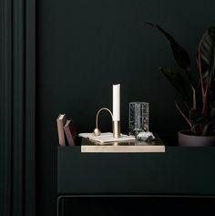 Kjøp Plant Box Tray - Brass fra FERM LIVING hos Nordiske Hjem