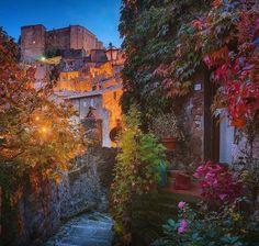 Sorano, Italy. Photo by Daniel Kordan