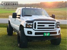 I genuinely enjoy this finish color for this car Ford F250 Diesel, Ford Powerstroke, Diesel Trucks, Ford 4x4, Ford Bronco, Old Pickup Trucks, Lifted Chevy Trucks, Big Trucks, Ford Excursion