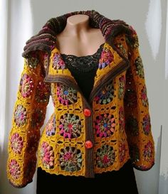 Crochet Granny Square Jacket C Crochet Bolero, Crochet Coat, Crochet Jacket, Freeform Crochet, Crochet Cardigan, Crochet Granny, Crochet Clothes, Crochet Squares, Beautiful Crochet