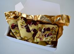 white chocolate bark with pistachios and dried cranberries! yum!