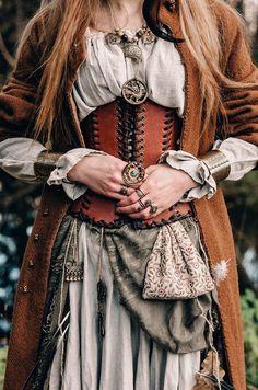 Renaissance Corset, Renaissance Fair Costume, Viking Dress, Medieval Dress, Medieval Witch, Medieval Outfits, Medieval Belt, Leather Corset Belt, Witch Outfit