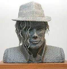 Chicken Wire Art (13 pics) Celebrity chicken wire sculptures. John Lennon, Michael Jackson and more...