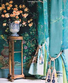 DeGournay wallpaper  Charlotte Moss's dining room NYC