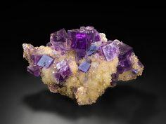 Desde la antigüedad se han utilizado cristales para equilibrar las energías del cuerpo y potenciar el desarrollo espiritual.
