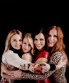 once upon a time comic con 2016 | OUAT Ladies Comic Con 2016 Photo Portrait. . Wallpaper and background ...