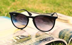 664a33663a197 Image about beautiful in Black by Anna Deborah. Ray Ban Erika ...