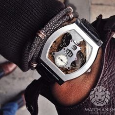 Met a guy selling a killer @FPJourne Vagabondage 2 in platinum number 69/69 so it had to grace my wrist for a moment!