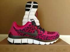 Cheetah Nike shoes in pink, WANT