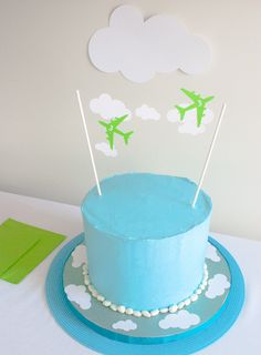 Easy Airplane Birthday Cake for an Airplane Birthday Party