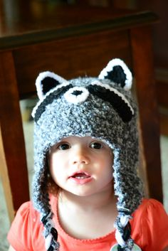 Knotty Knotty Crochet: Raccoon hat free pattern - I have to figure out how to alter this for Little Man for Christmas this year!