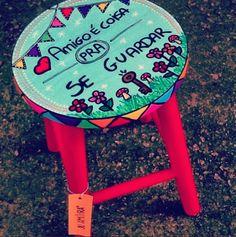 Banqueta Amigo é coisa pra se guardar! www.juamora.com ateliejuamora@gmail.com #stool #banqueta #juamora