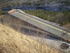 Misiryeong Penetrating Road, Gangwon Province, Korea - Emergency escape ramp on Misiryeong Penetrating Road, located at the middle of a downhill before Tollgate. It enables vehicles that are having braking problems to safely stop. | 미시령 관통도로 긴급제동시설