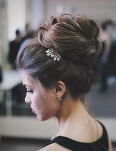 Featured Hairstyle: tonyastylist (Tonya Pushkareva) instagram.com/tonyastylist; Wedding hairstyle idea.