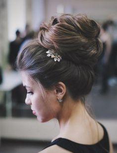 Featured Hairstyle: tonyastylist (Tonya Pushkareva) instagram.com/tonyastylist; Wedding hairstyle idea.
