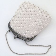 Adorable pearl and crystal beaded bridal handbag with a vintage vibe. Perfect 4 your necessities.