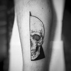 trendy tattoo of geometric skulls – skull tattoo sleeve Skeleton Tattoos, Sugar Skull Tattoos, Leg Tattoos, Body Art Tattoos, Sleeve Tattoos, Trendy Tattoos, Unique Tattoos, Small Tattoos, Tattoos For Guys