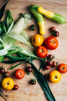 A weekly summer produce guide to what's in season right now based on the contents of our CSA share, with CSA and farmer's market recipes and inspiration. This week: okra, green peppers, summer squa…