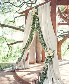 Take inspo from this romantic wedding arch when planning a woodland wedding. – Brit Morin Take inspo from this romantic wedding arch when planning a woodland wedding. Take inspo from this romantic wedding arch when planning a woodland wedding. Garland Wedding, Wedding Bells, Wedding Flowers, Wedding Arches, Wedding Backdrops, Wedding Themes, Decor Wedding, Wedding Photos, Altar Wedding