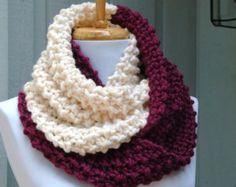 Purple Berry y crema Colorblock Knit bufanda, bufanda gruesa, mano de punto infinito bufanda, bufanda de las mujeres, hizo punto la bufanda, bufanda del invierno de las mujeres