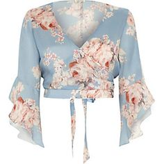 Shop our new Blue floral wrap frill sleeve crop top at River Island today. Blue Crop Tops, Floral Crop Tops, Cropped Tops, New Outfits, Fashion Outfits, Collection 2017, Bralette Tops, Island Blue, River Island