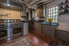 Cabinet Trends in Traditional Kitchens Types Of Cabinets, Upper Cabinets, Wood Cabinets, Traditional Kitchen Cabinets, Kitchen Cabinetry, Crown Point Cabinetry, Washington Houses, Raised Panel Doors, Historic Homes