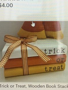 Fall Wood Crafts, Wood Block Crafts, Autumn Crafts, Holiday Crafts, Fall Projects, Halloween Projects, Fall Halloween, Wooden Books, Painted Books