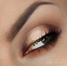 'Light Smoky' look by Justyna Kolodziej using Makeup Geek's Brown Sugar and Mocha eyeshadows.