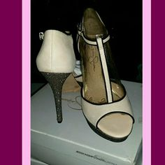 * GORGEOUS JESSICA SIMPSON HEELS * This are so stunning! These were purchased for a wedding but never worn. They are new, with the box! The photos don't do these justice! Cream colored leather with a sparking heel. Jessica Simpson Shoes Heels
