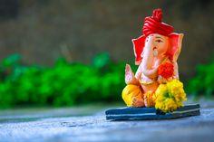 Shri Ganesh Images, Oil Painting Tips, Painting Art, Photo Zone, Indian Paintings, Art Paintings, Ganpati Bappa, Watercolor Paintings Abstract, Lord Ganesha