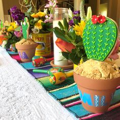 How to Throw a Fiesta Margarita Bar, Taco Bar, Great Recipes, Planter Pots, Place Cards, Table Decorations, Food, Cinco De Mayo, Fiestas