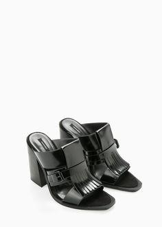 Sandalia aplique flecos - Todos de Mujer | MANGO
