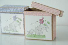 Ich bin total verliebt in diese 2 süßen Elefanten :) Die Box eignet sich perfekt für Geschenke. Decorative Boxes, Scrapbooking, Home Decor, Paper, Elephants, In Love, Gifts, Homemade Home Decor, Scrapbooks