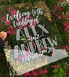 39 Acrylic And Lucite Wedding Decor Ideas | HappyWedd.com