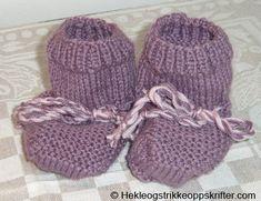 Strikkeoppskrift På Babysokker – Gammel Oppskrift | Strikkeoppskrifter Newborn Shoes, Baby Boots, Knitted Hats, Winter Hats, Socks, Legs, Knitting, Fashion, Moda