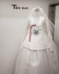 한복더단 @kyulcs for more Korean hanbok.