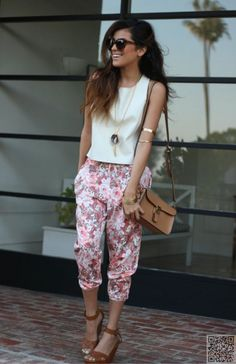 3. #Floral Pants - Love #Pastels? Check out #These Super #Sweet Pastel #Street Style #Looks for Outfit #Inspiration ... → #Fashion #Chunky