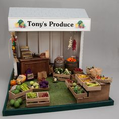 Good Sam Showcase of Miniatures: At the Show - Structures and Display Cases