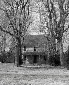 Forgotten Farm House (no further info)