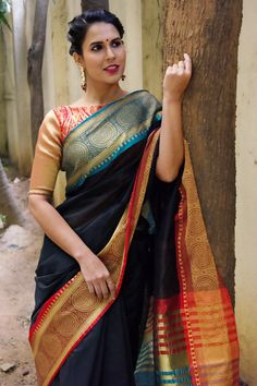 Buy Designer Blouses online, Custom Design Blouses, Ready Made Blouses, Saree Blouse patterns at our online shop House of Blouse from India. Kurta Designs, Blouse Designs, New Dress Design Indian, Saree With Belt, Saree Blouse Patterns, Sari Blouse, Designer Blouses Online, Indian Beauty Saree, Indian Sarees