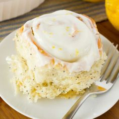 You're going to fall in love with these light and fluffy lemon poppy seed sweet rolls! They just shout SPRING! Mini Cinnamon Rolls, Key Lime Cheesecake, 9x13 Baking Dish, Sallys Baking Addiction, Instant Yeast, Make It Simple, Lemon, Sweets, Desserts
