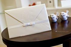 Convite de casamento all white: simples e sofisticado.