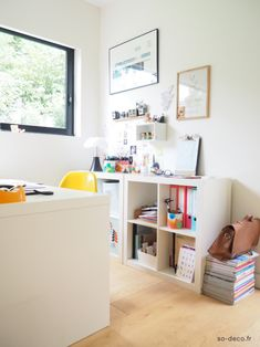 image from www.so-deco. Grands Salons, Ikea Expedit, Morning Light, Decoration, Home Office, Shelves, House Styles, Table, Olympus