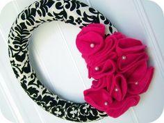 Fabric & Ruffled Felt Wreath - 88 Beautiful Wreaths to Make {free patterns} | tipjunkie.com